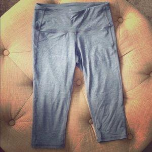 Athleta xxs cropped pants